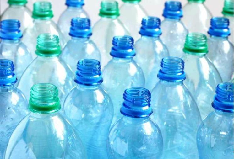 Gott om plats på reklamflaskor!